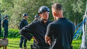 Niels geeft een deelnemer een briefing tijdens de Persoonlijk Leiderschap Training bij Unlimited You